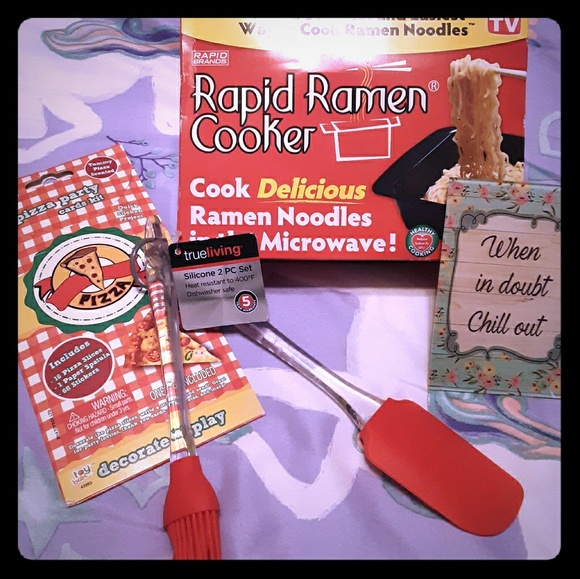 Rapid Brands Other - Rapid Ramen Cooker Pizza Party Pack Silicon NWT